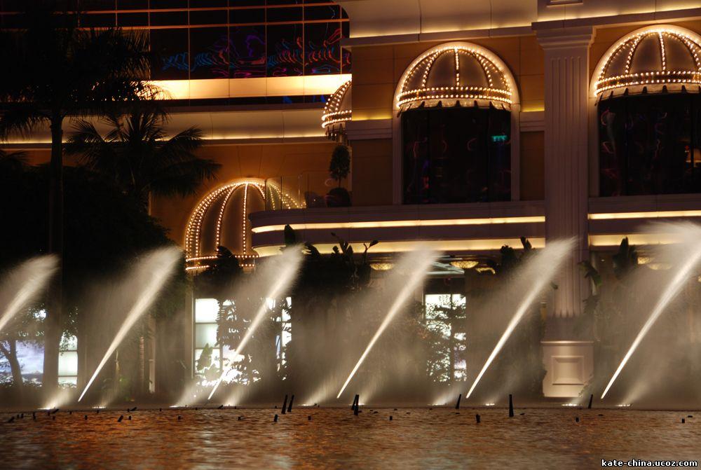 Танцующий фонтан казино  Wynn